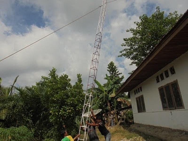 internet sekolah dan desa